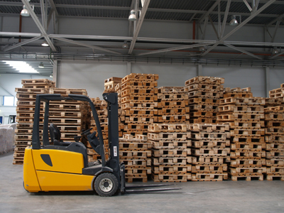 Forklift and Pallets